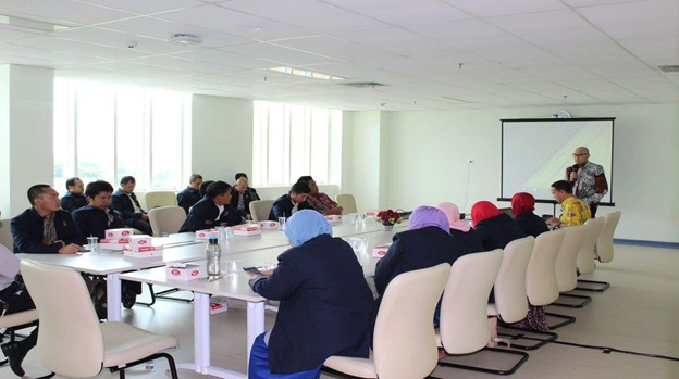 Company Visit Magister Manajemen  UAD ke RS UNS